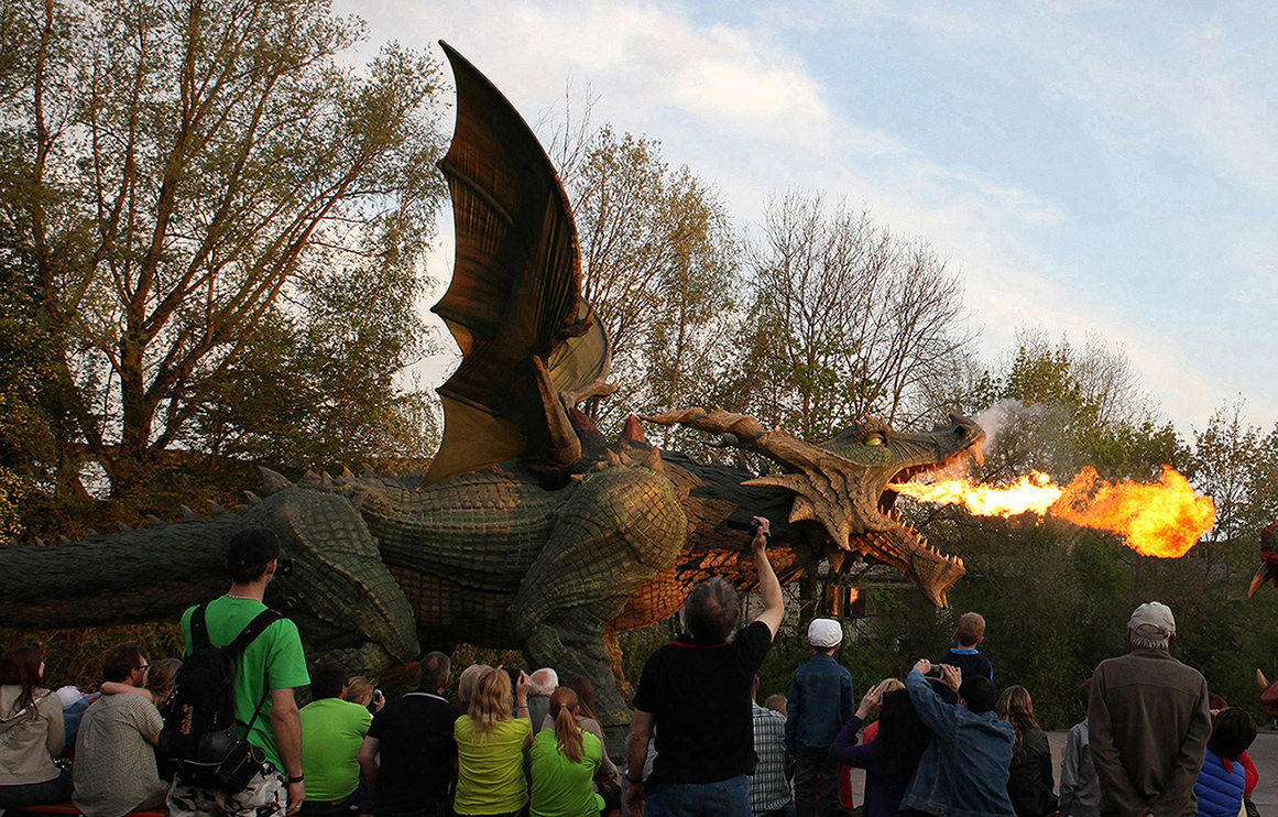 furth im wald gay singles For 500 years a dragon heaves itself through the bavarian border town furth im wald even today with its torn up mouth, barred teeth, spitting fire, smoking and roaring it is the symbol of evil.